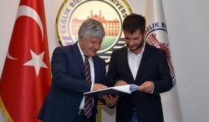Gazeteciler Rektör Zeybek'i Ziyaret Etti haberi